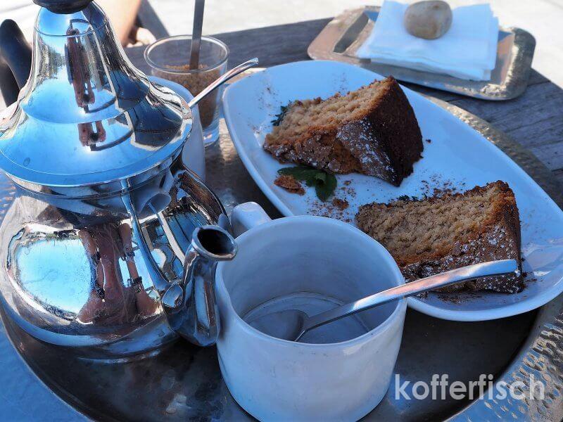 Begrüßungskuchen und Tee
