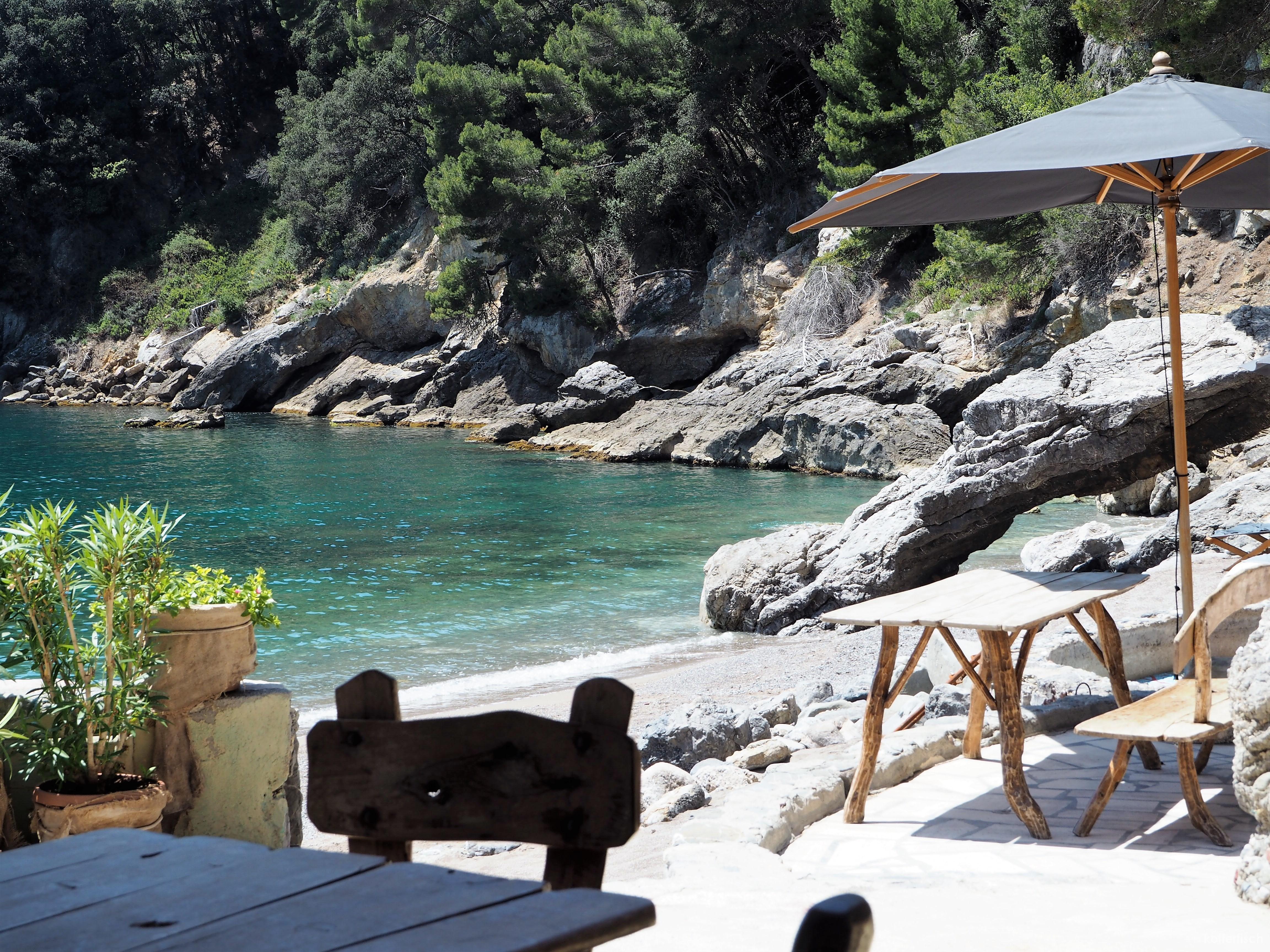 Eco Del Mare Italien Privatbucht Mit Kleinem Hotel Kofferfisch