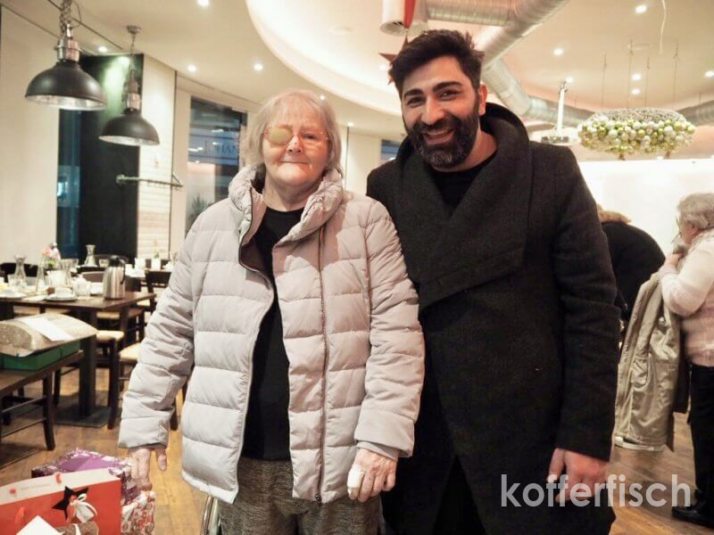 WEIHNACHTS-PÄCKCHEN FÜR SENIOREN – EIN LICHTBLICK GEGEN ALTERSARMUT